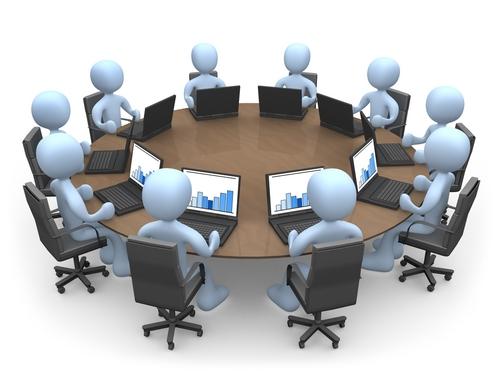 совещания - пустая трата рабочего времени при вертикальном управлении